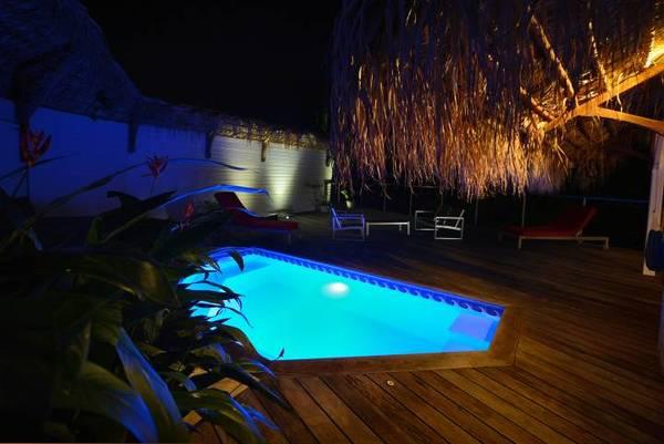 bungalow tartane ti turquoise salon lit nuit fleurs