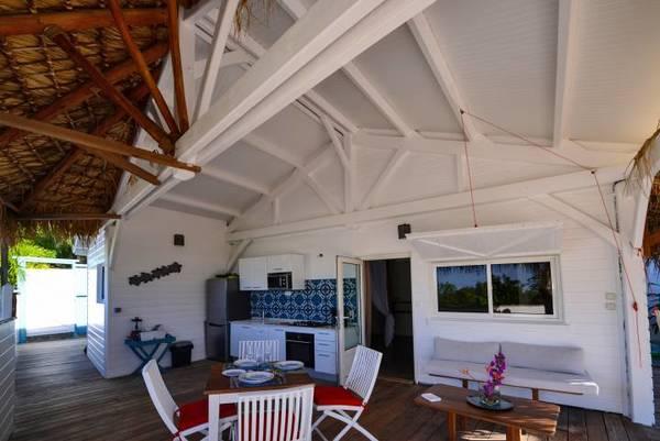 bungalow tartane ti turquoise terrasse bungalow cuisine