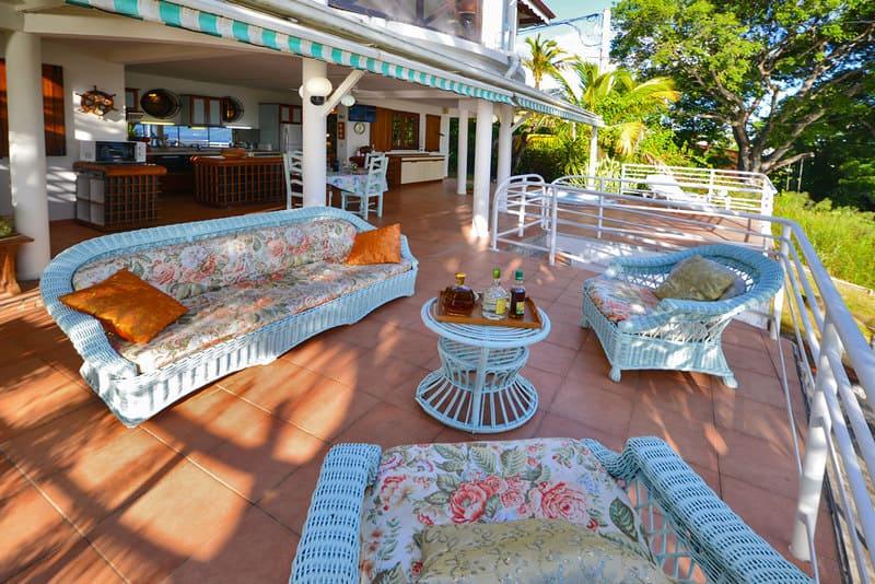 Location T3 Schoelcher Martinique Vue Mer Spa Salon Terrasse