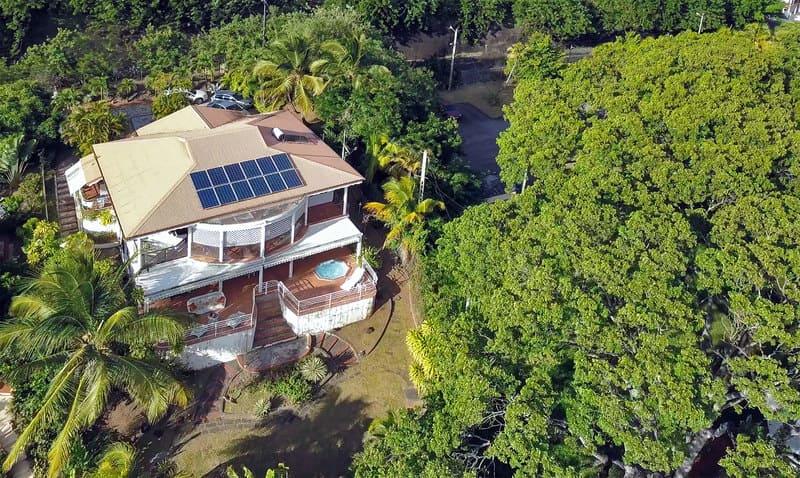 Location T3 Schoelcher Martinique Vue Mer Spa Vue Drone