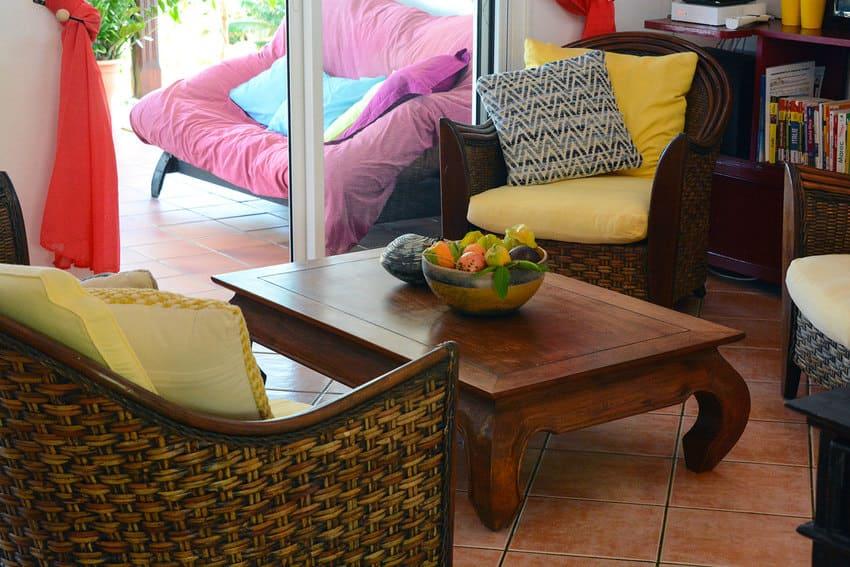 Location Maison De L Artste Table Bas