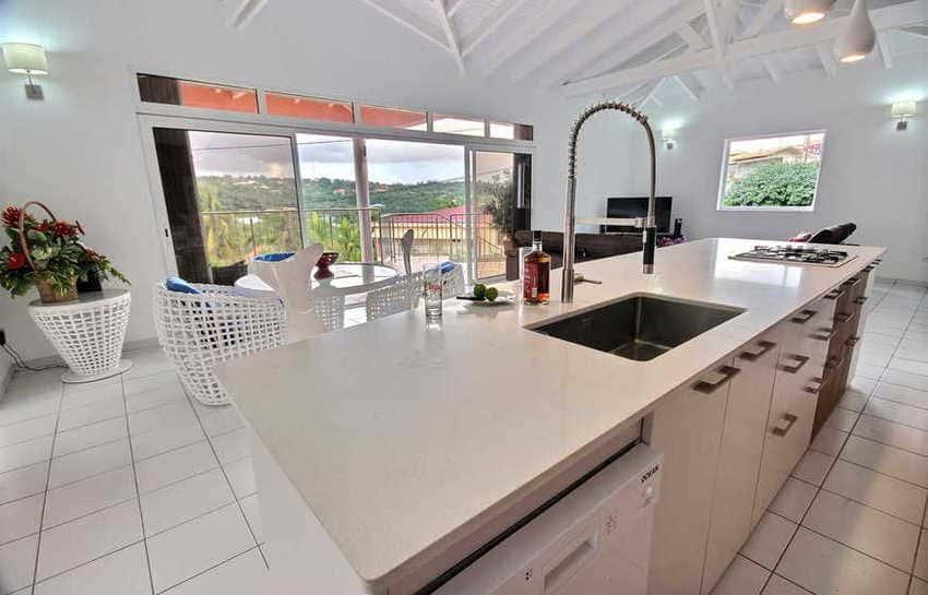 Location Villa Avec Piscine Cap Macre Martinique Cuisine Vue Exterieur