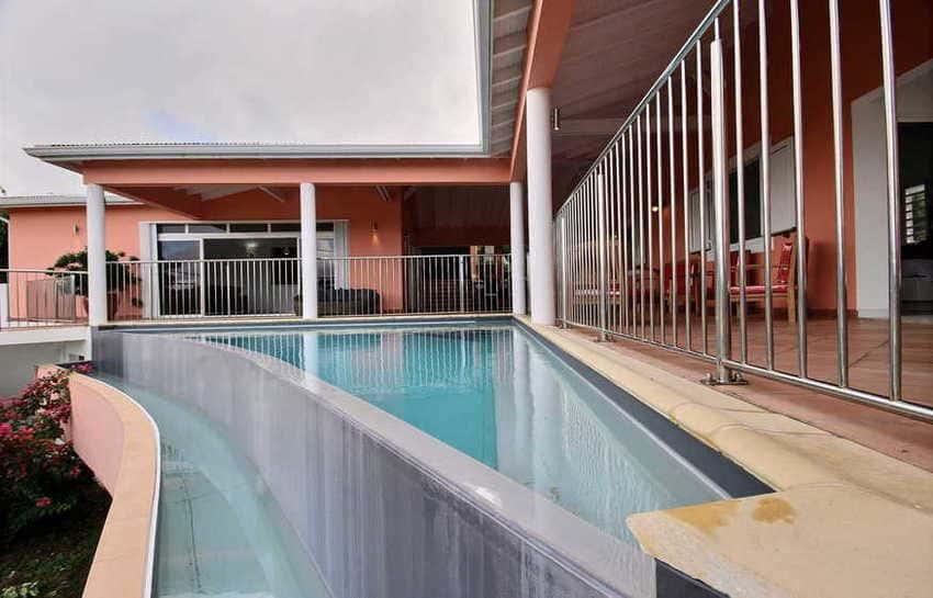 Location Villa Avec Piscine Cap Macre Martinique Piscine A Debordement