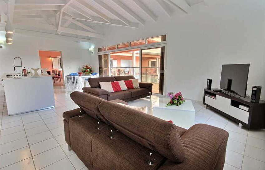 Location Villa Avec Piscine Cap Macre Martinique Salon Cuisine