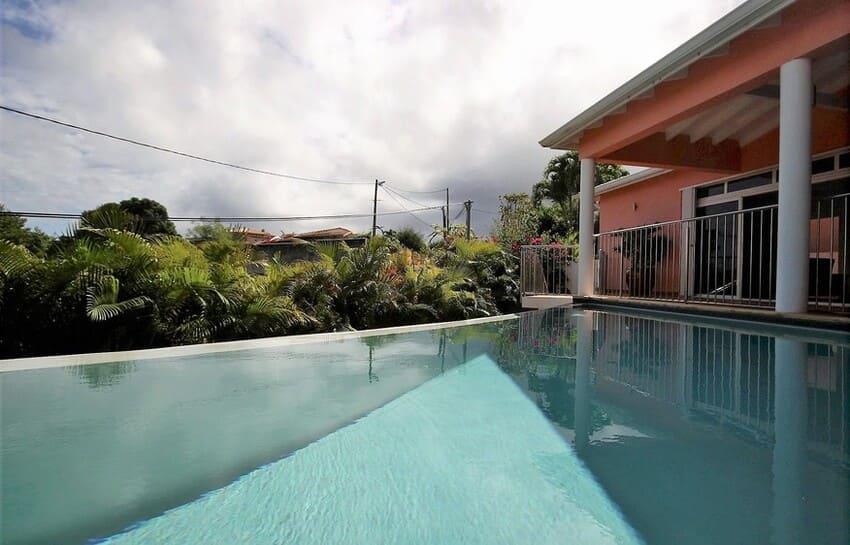 Location Villa Avec Piscine Cap Macre Martinique Vue Piscine Maison