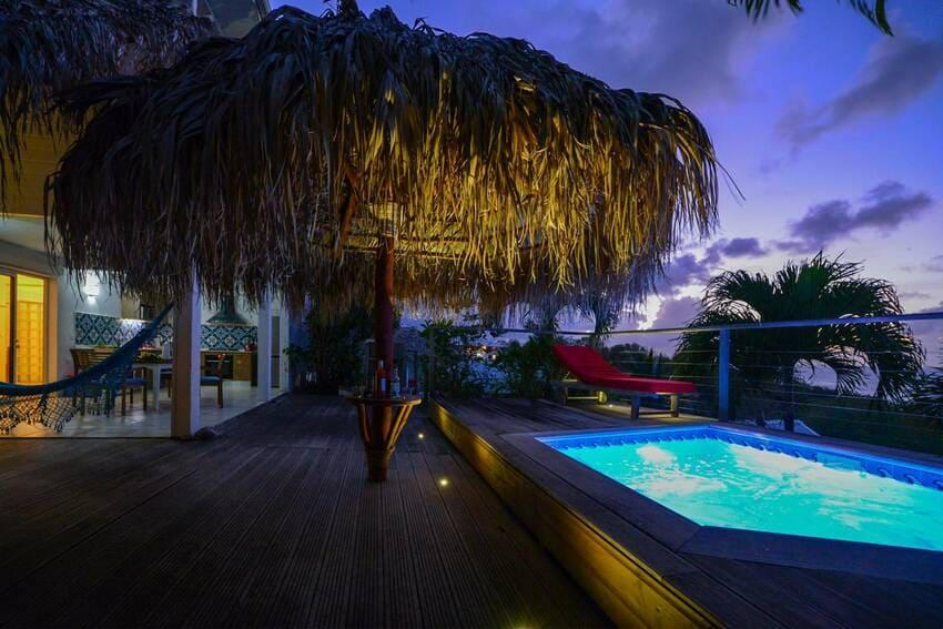 Vue Turquoise Parasol Arrivee Nuit