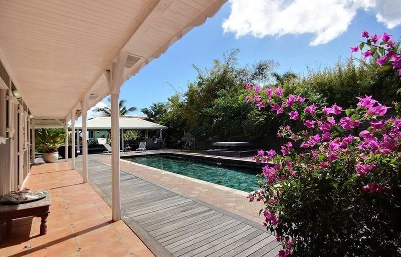 Location Villa Martinique Neivy Piscine Fleurs Min