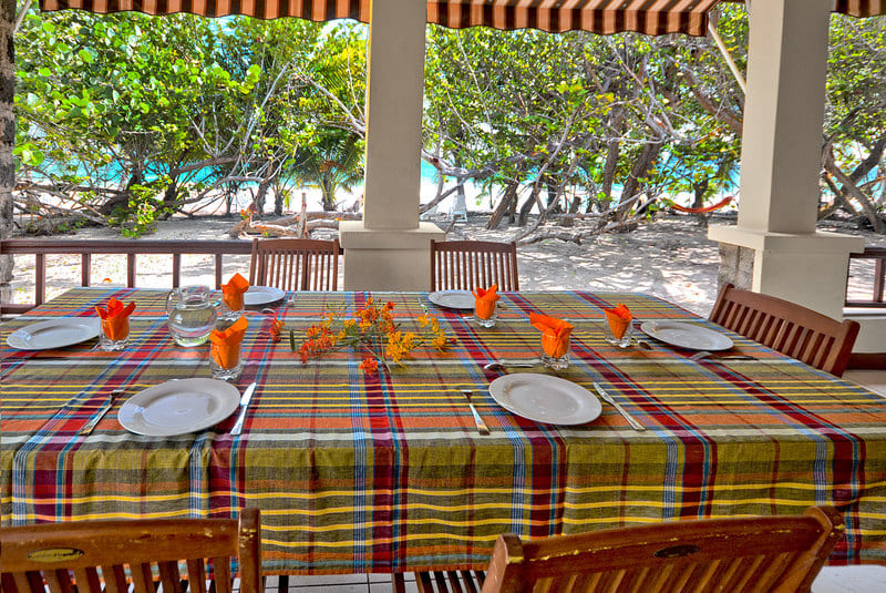 Table Villa Macata