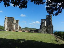 ruines chateau dubuc