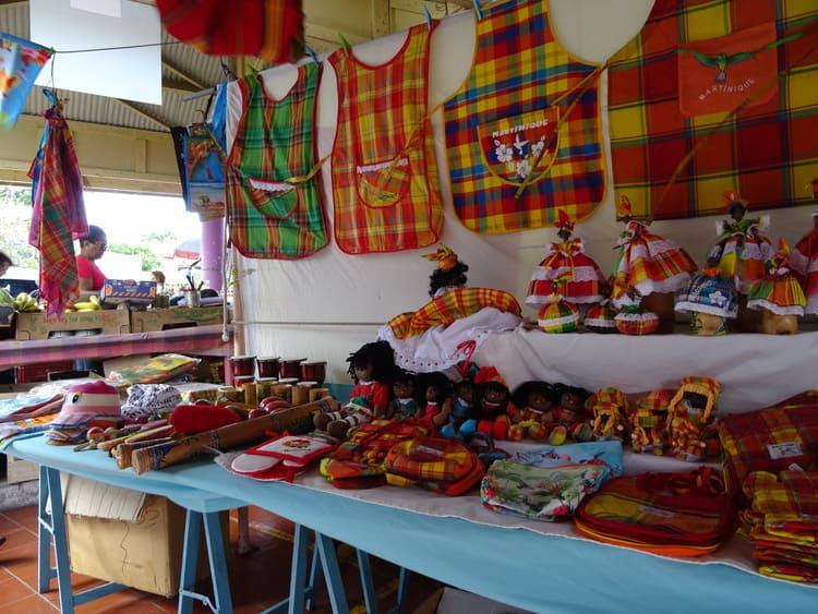 marché sainte-anne martinique