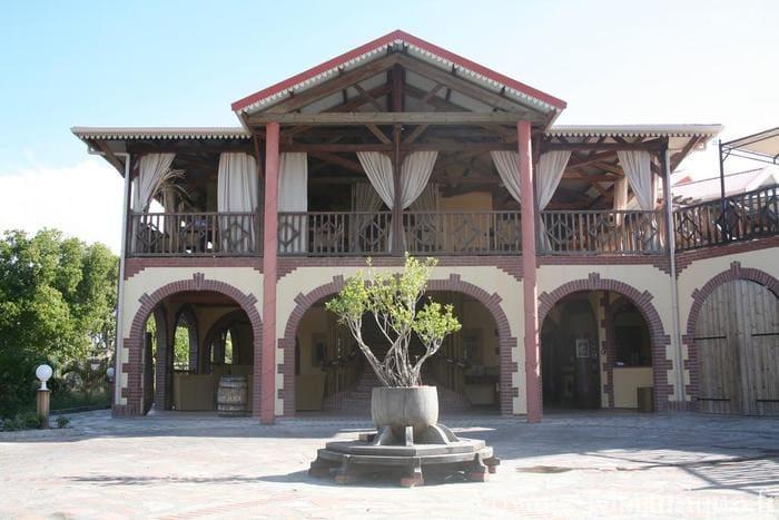 Macabou (1)
